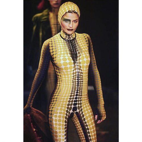 desfile runway jean paul gaultier FW 1995 cyber dots