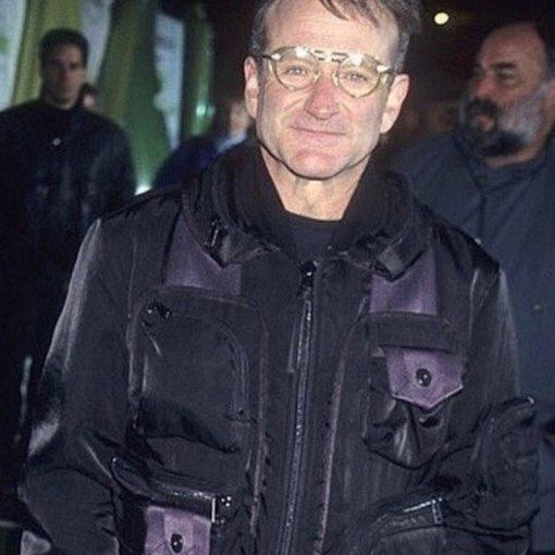 robin williams vistiendo chaqueta bomber issey miyake