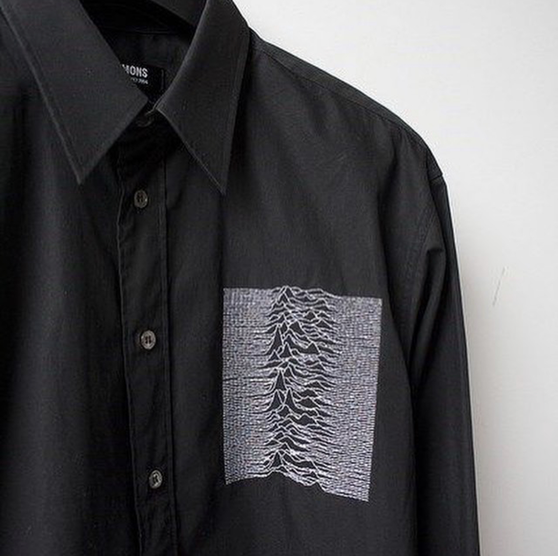 Closer AW 03 raf simons unknown pleasures