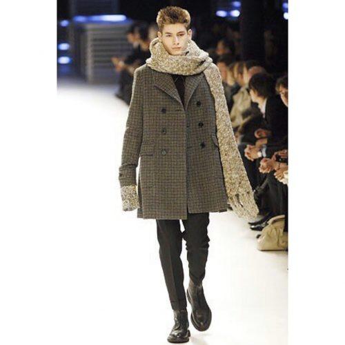 model wearing dior aw 07 navigate boots hedi slimane